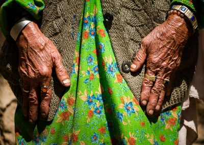Garam Chashma's old women facelessFaceless de la vieille dame de Garam Chashma