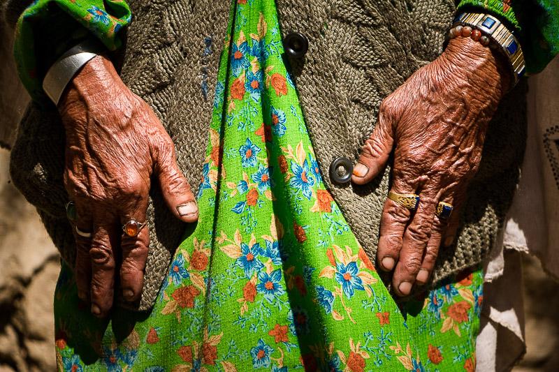 Garam Chashma's old women faceless Faceless de la vieille dame de Garam Chashma